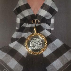 Vintage Trifari gold tone zidiac  pendant, new